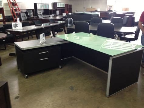 Chiarezza Executive L Shaped Desk with White Frost Glass