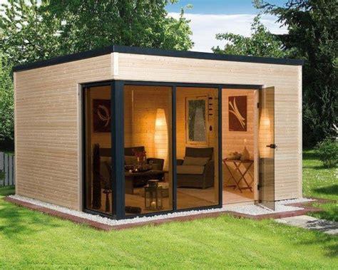 modern garden shed  glass facade founterior