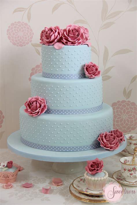 vintage wedding cakes uk pastel wedding cakes cake designers wedding cakes