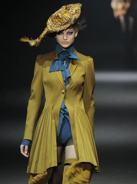 7 Top Uk Fashion Designers by Galliano Best Of Fashion Designers