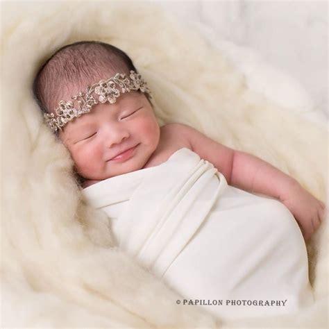 Mahkota Crown Bulu Warna Warni lucu dan menggemaskan 10 inspirasi foto bayi ala