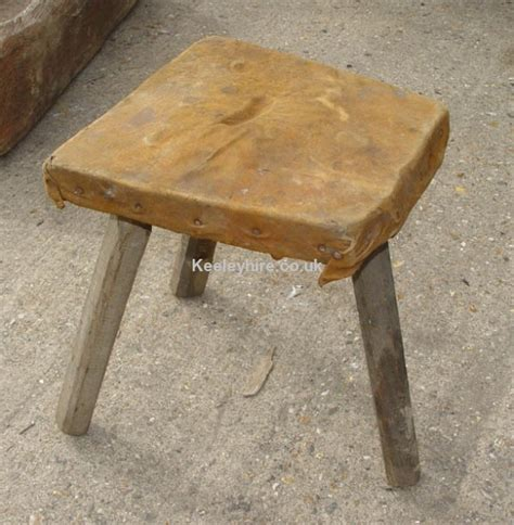 Stool Legs Wood by Prop Hire 187 Stools 187 3 Leg Wood Stool With Leather Top