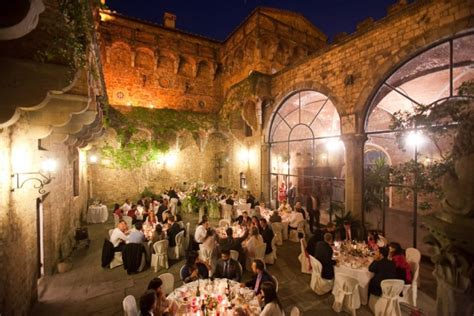 Wedding castle in Florence, Tuscany > weddings in Italy