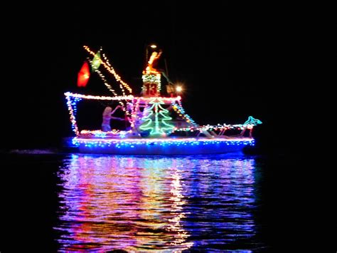 2014 christmas lighted boat parade pictures 30