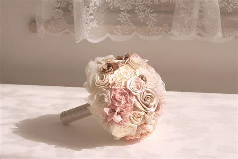 bouquet fiori di carta bouquet di carta e stoffa l atelier trilli e gingilli