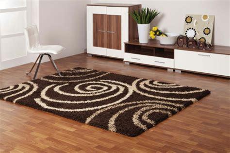 brauner teppich einrichten mit farben braune m 246 bel und w 228 nde f 252 r