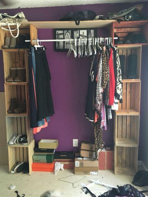 diy cloves rack  wooden crates closet rod    opening  crate muebles