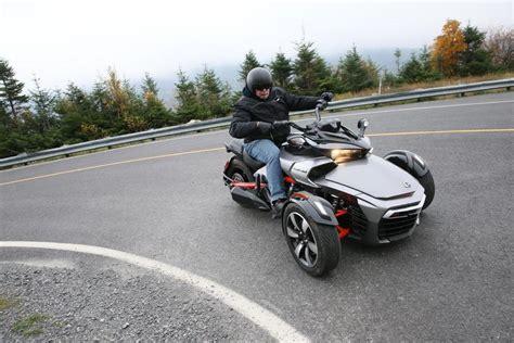 Motorrad Cruiser Automatik by Canam Spyder F3 Faszination Foto 1 Von 25 Alle Autos