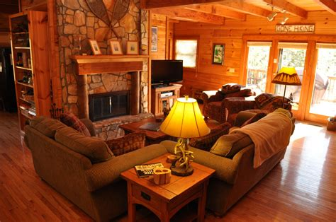 cabin living rooms making primitive decorating ideas