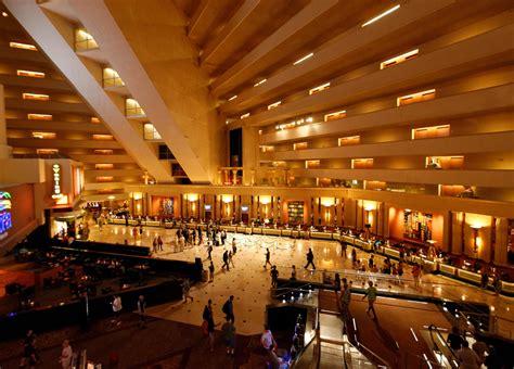 best hotel in luxor luxor hotel lobby luxor las vegas interior