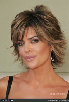 how has lisa rinna gotten so thin medium length razor cut hairstyles for women medium cut