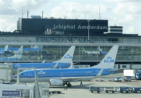strong demand pulls amsterdam schiphol to air cargo record joc