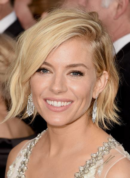 the blonde short hair woman on beverly hills housewives sienna miller looks stylebistro