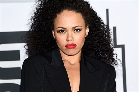 elle varner elle varner dedicates one love to michael brown hadiya