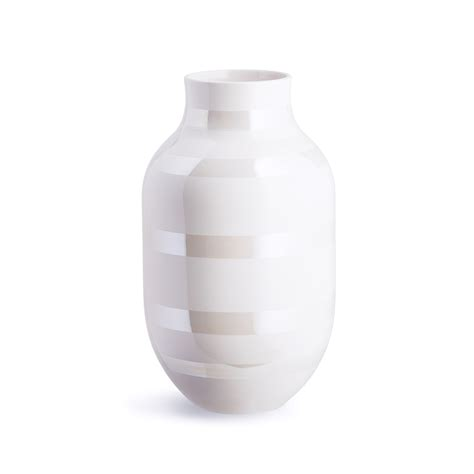 Omaggio Vase by See The New Omaggio Pearlescent Vase In Simple Tone On