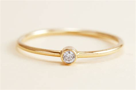 simple ring in 14k gold