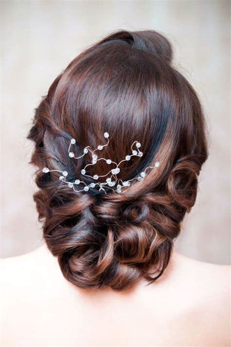 pinup hairstyle mother bride 42 mother of the bride hairstyles middle hair weddings