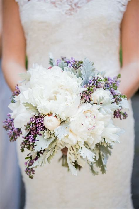 wedding flower bouquets photos finding the right flowers for your wedding bouquet
