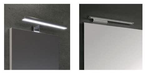 specchio con luce per bagno specchi per il bagno