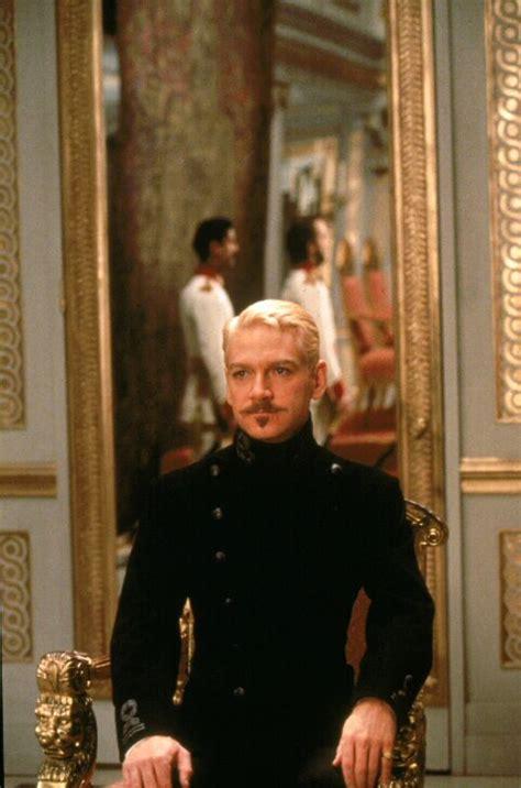 Hamlet Film Themes   hamlet 1996 kenneth branagh synopsis
