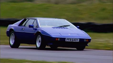 wheeler dealers lotus esprit imcdb org 1982 lotus esprit s3 type 82 in quot wheeler