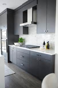 light grey cabinets in kitchen grey kitchen cabinets backsplash quicua com