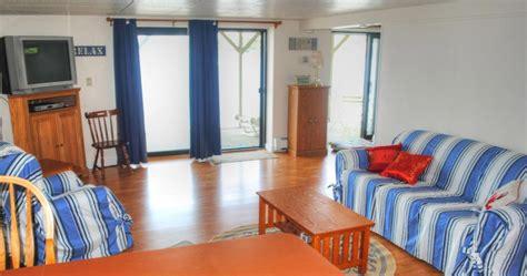beach house sleeper sofa 53 best alice s beach house images on pinterest beach