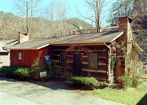 Downtown Gatlinburg Cabins Walking Distance by Cabin 462 2 Bedroom Cabins Pigeon Forge Cabins