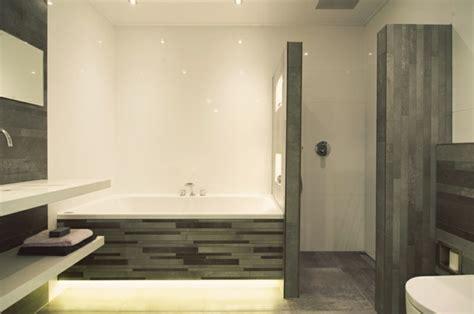 günstige freistehende badewanne dekor wand badewannen