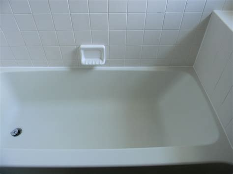 Bathtub Cleaning by Shower Tub Cleaning Tips