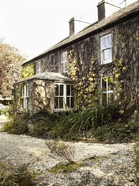cottages cork ireland gubbeen farm county cork ireland country living magazine a b o d e cottages