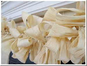Corn Husk Decorating Ideas 15 Fall Garland Ideas Diy Decor