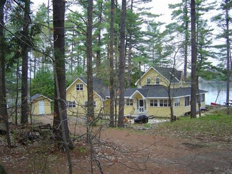 Gravenhurst On Cottage Rental Mellow Yellow Gull Lake Muskoka Cottages Rentals