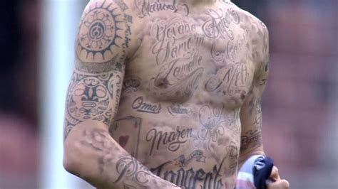 ibrahimovic tattoo hungry zlatan ibrahimovic tattoos names of 50 hungry people on