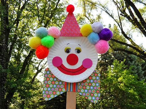 Clown Paper Plate Craft - paper plate clown puppet crafts by amanda