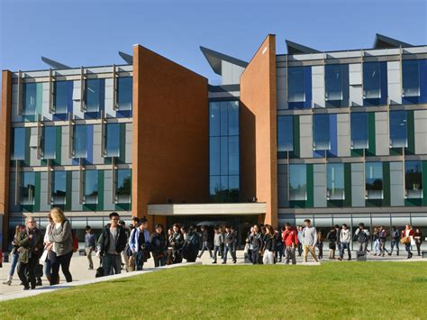 Sussex Mba by Sussex Hosts Staff Workshop On Dealing With