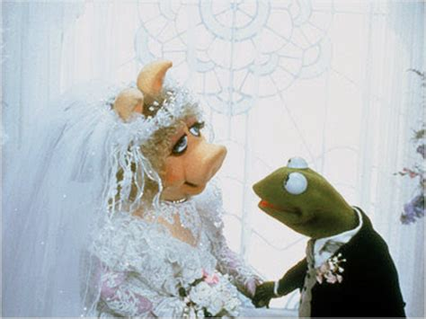 miss piggy and kermit wedding of the april 2010