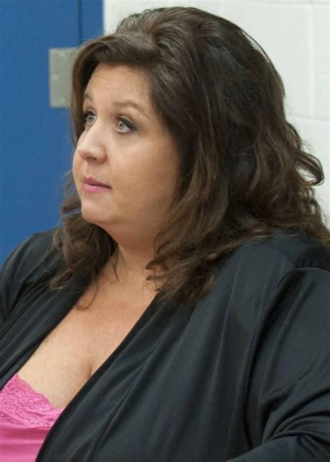 kelly dance mom haird kelly hyland dance moms star banned from tweeting at
