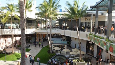 owner of ala moana center in hawaii embroiled in lawsuit