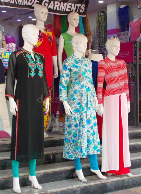 mayas fashion indian clothing store indian fashion mannequins dressed in latest indian fashion dress