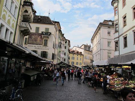 La Bolzano by Obstmarkt Bozen