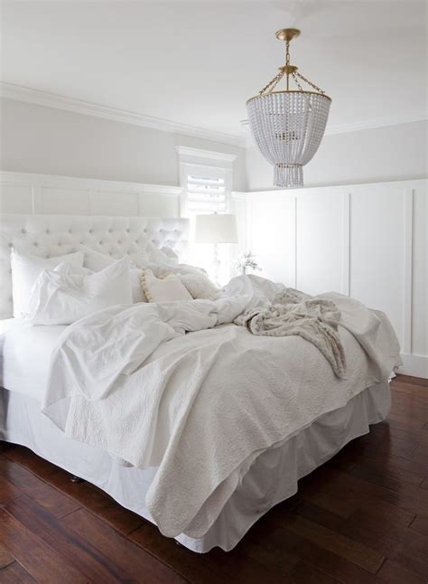 bedrooms with white bedding 17 best ideas about white bedrooms on pinterest white
