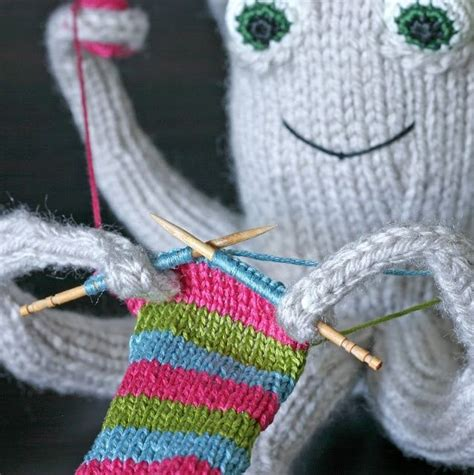 knitted octopus the knitting octopus pattern craft ideas
