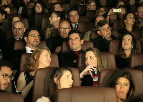 cineplex jatos pr 233 estreia de filme da lava jato tem tapete vermelho para