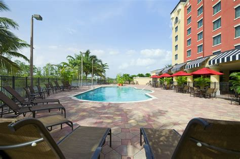 Bed Bath And Beyond Ft Myers Embassy Suites By Hilton Fort Myers Estero Estero Florida