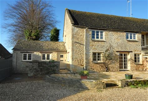 Jigsaw Holidays Cotswold Cottages Introduces Berry Cottage Cotswold Cottages For Rent