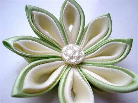 fiori di stoffa tutorial come fare fiori kanzashi fiori di stoffa tutorial