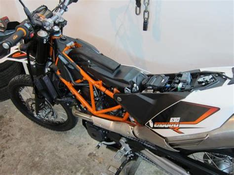 ktm 690 seat removal how to remove air box on 2014 2016 ktm 690 enduro