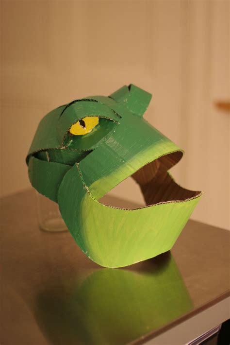 Papercraft Frog - 17 best ideas about frog mask on crown crafts