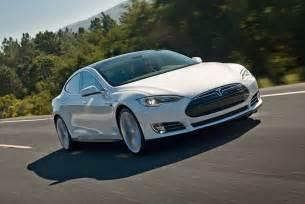 The Car Tesla Model S Tesla Model S Wins Motor Trend S Car Of The Year Award